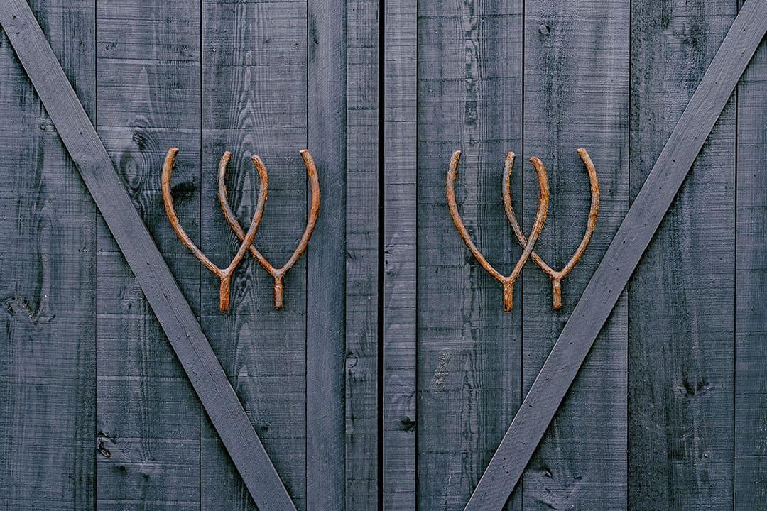 TwoWishesRanchEvents-Wishbone-Barn-Entrance